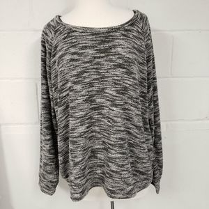 Forever 21 Long Sleeve Sweater Top